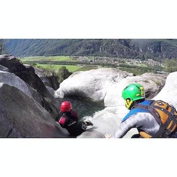 Erlebnisgutschein Canyoning Einsteigertour 75,90 €